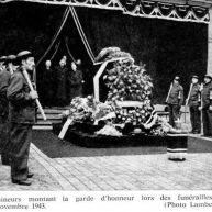 Garde d'honneur des mineurs à l'enterrement de Jules Mousseron